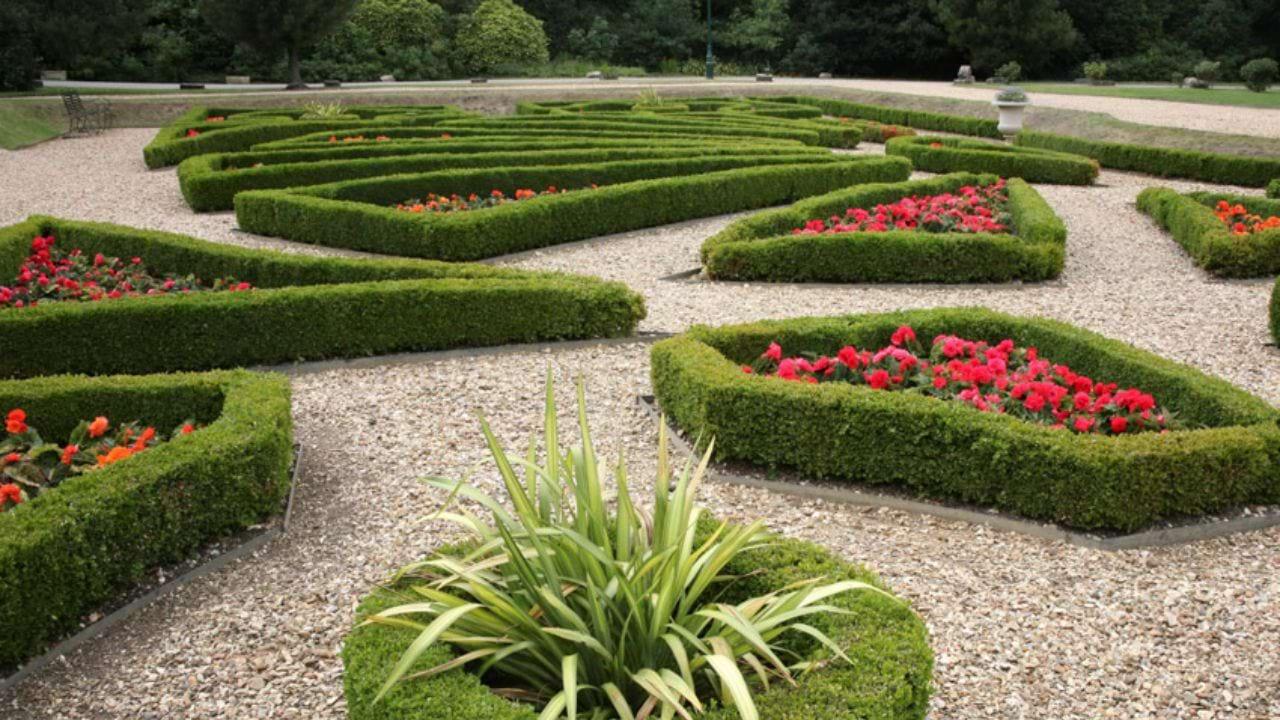 SJR-Blue-Waters-Landscaped-Garden
