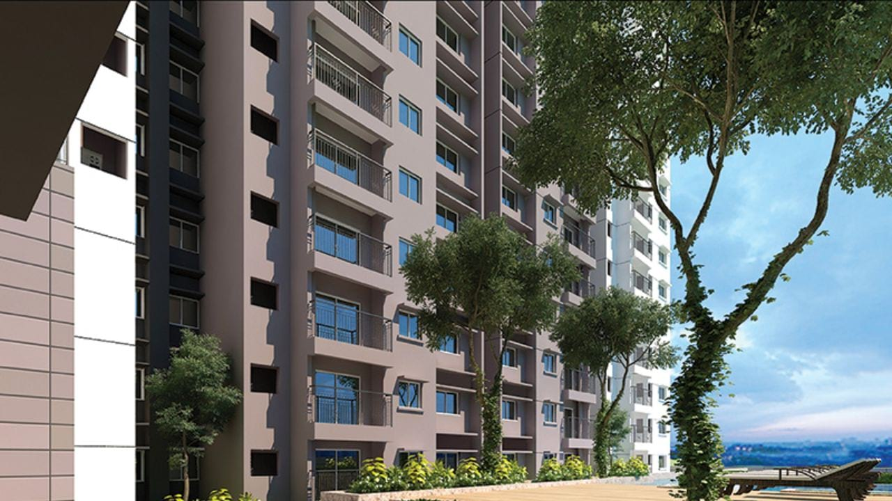 Prestige-Park-Square-Pool-Side-View