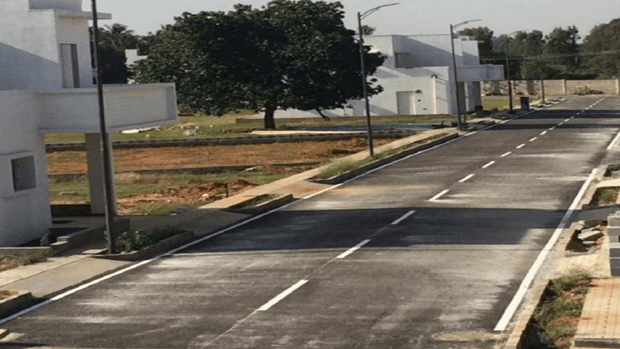 The-Gem-Park-Address-Roadway