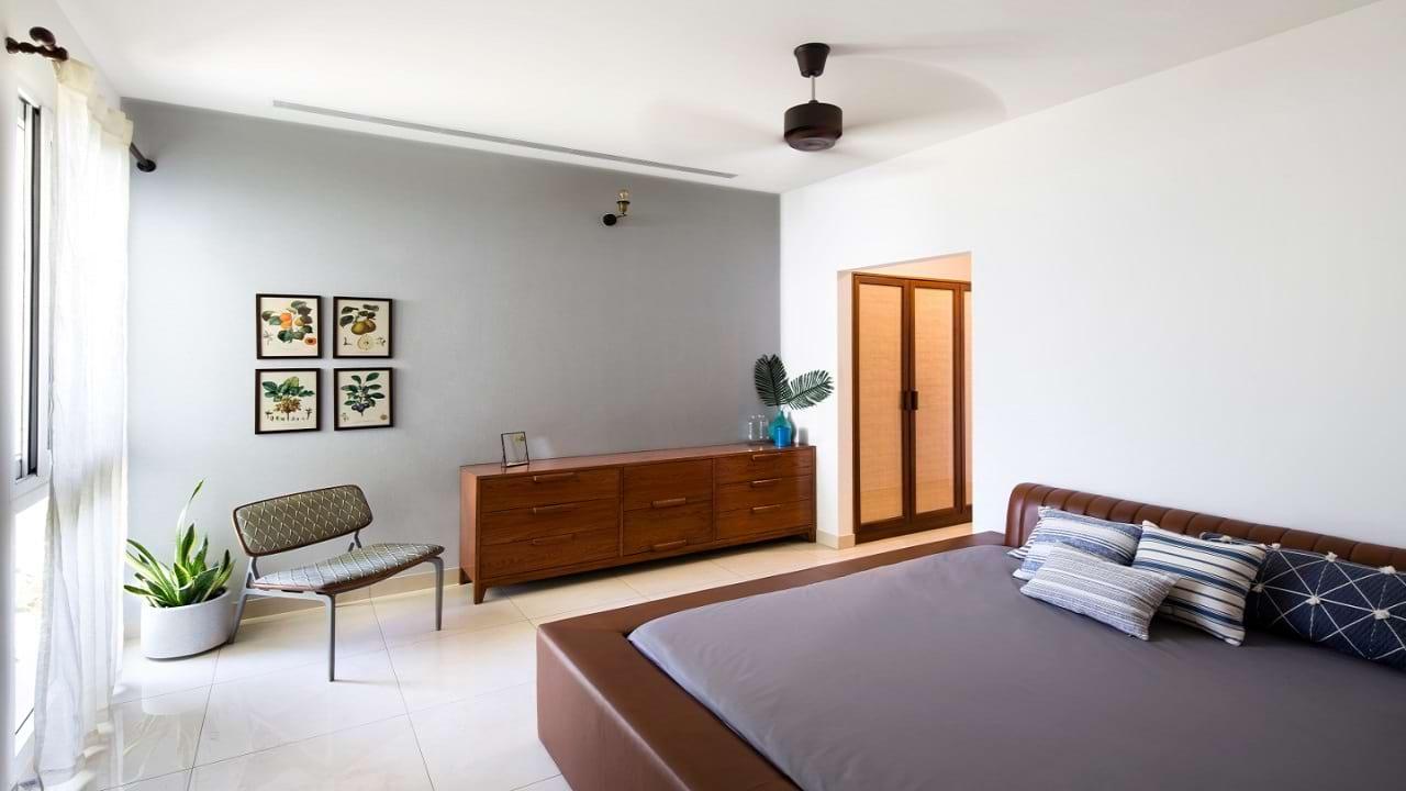 Asstez Sun and Santcum Bedroom