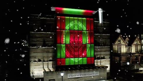 大学首次亮相圣诞节特别横幅图像