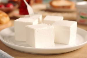 Süzme Peynir Neden Daha Yumuşaktır?