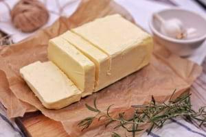 Margarin (katı olduğu için) Doymuş Yağ mıdır ?