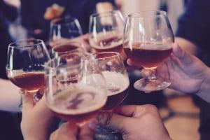 Sahte İçki Zehirlenmelerinde Adını Sık Sık Duyduğumuz Etil Alkol ve Metil Alkol