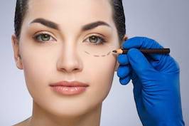 Blefaroplastia, interventia care imbunatateste aspectul zonei ochilor