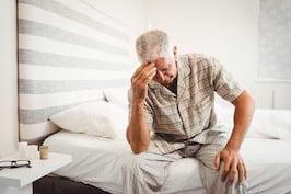 Durerea de cap dimineata: din ce cauze apare dupa trezire?