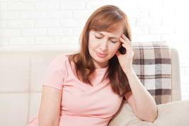 Atacurile de panica declansate de menopauza – de ce apar si cum se trateaza