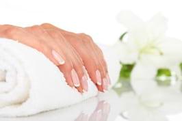 Unghii sanatoase, rezistente si frumoase: cum le ingrijesti corect pentru o manichiura perfecta
