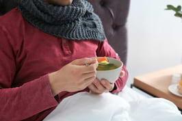 De ce se recomanda supa de pui la raceala & 2 retete rapide