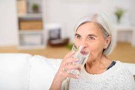 Există o legătură între deshidratare și diagnosticul de demență?