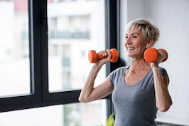 Activitatea fizică regulată reduce riscul de fractură la femeile în vârstă [studiu]