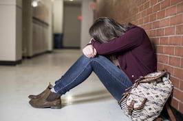 Depresia și anxietatea în tinerețe cresc riscul de deces prematur [studiu]