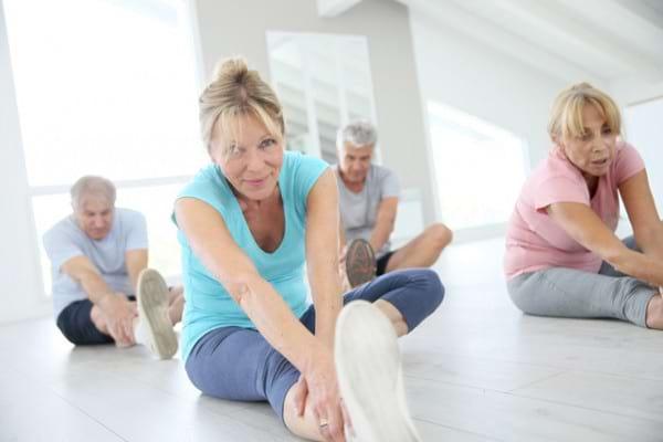 10 exercitii de stretching care previn durerile