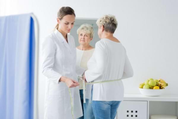 luptând să piardă în greutate după menopauză