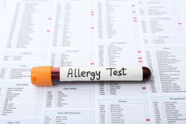 Un nou test de sange ar putea depista alergia la arahide fara riscuri [studiu]
