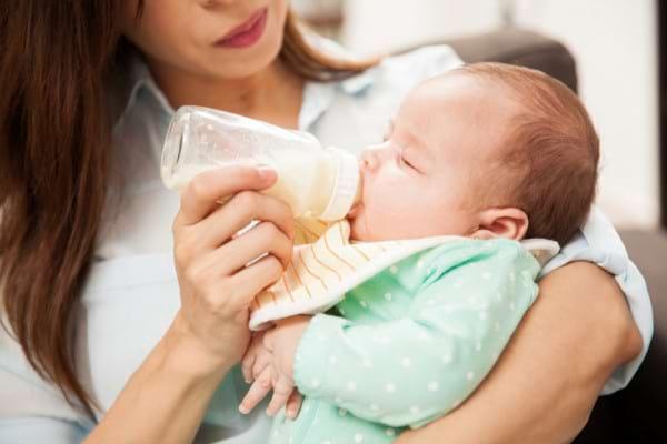 Alimentatia la bebelusii intre 0 si 3 luni