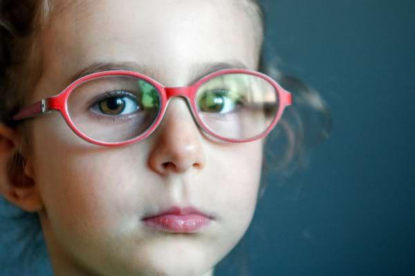 Ambliopia: cauze, simptome & tratament