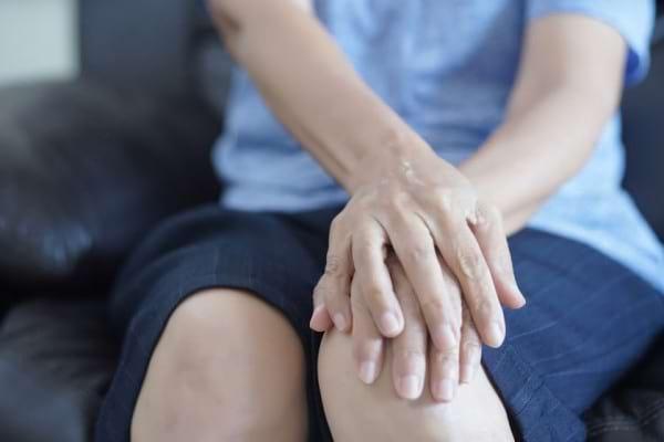 Prin ce se deosebeste artrita psoriazica de artroza: cauze, factori de risc, tratament