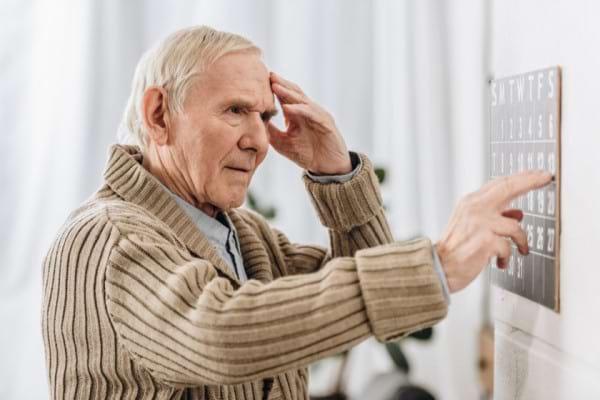 Un atac cerebral (AVC) creste semnificativ riscul de dementa [studiu]