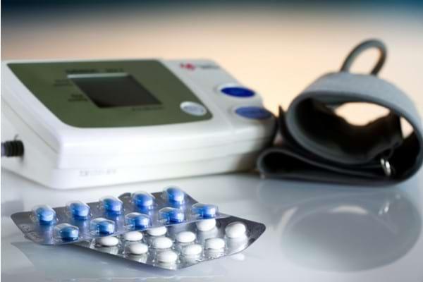 Cand avem nevoie de medicatie pentru tensiunea arteriala si colesterol?