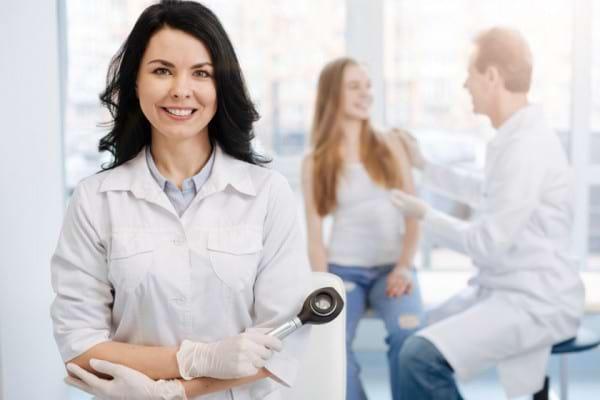 Ce medici depisteaza si trateaza cancerul de piele?
