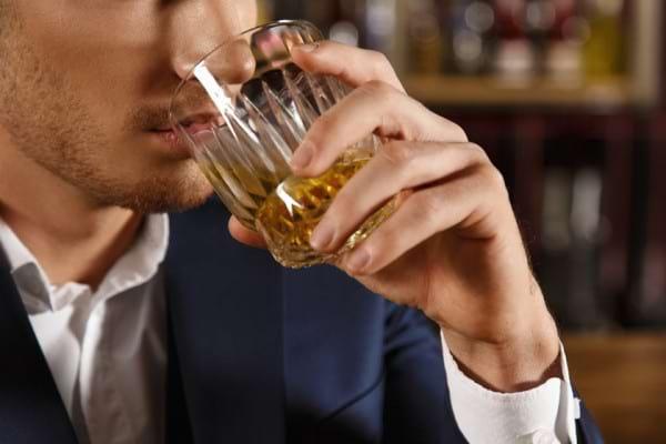 Consumul abuziv de alcool iti modifica ADN-ul - Iata cum!