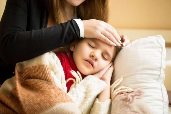 Copilul sa preface ca e bolnav pentru a evita anumite situatii? Cum sa procedezi