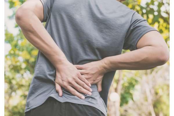 8 afectiuni care favorizeaza criza de sciatica sau inflamarea nervului sciatic