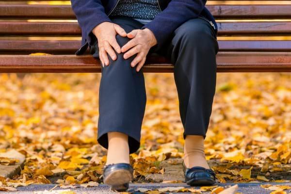 Totul despre artrita genunchiului - Simptome, tipuri, tratament | experttraining.ro