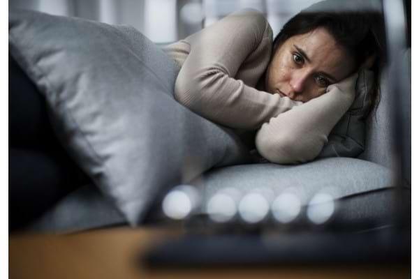 Cum iti dai seama cand deprimarea se transforma in depresie?