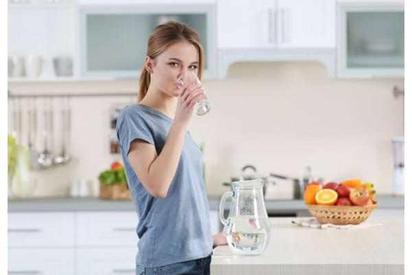 Dieta cu apă – de ce trebuie evitată