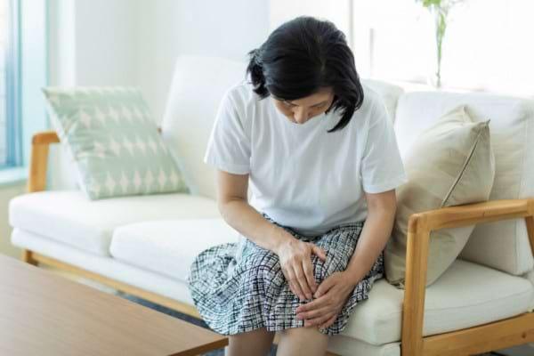 Durerea de genunchi la cei cu gonartroza duce la simptome de depresie [studiu]