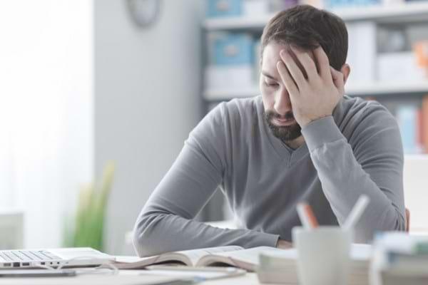 pierderea în greutate neexplicată și simptomele de oboseală)