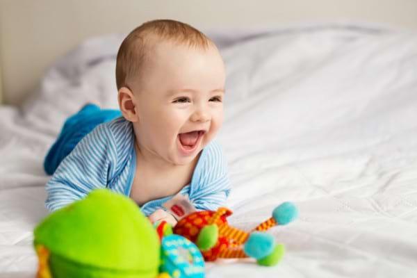 Fren lingual scurt (anchiloglosie) la bebelusi: complicatii si tratament