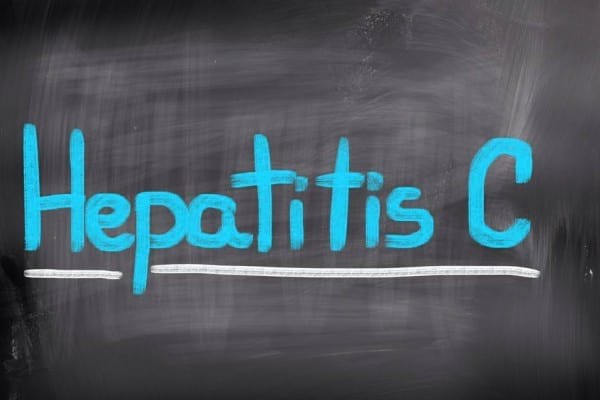 Simptome asociate hepatitei care ar trebui sa te trimita de urgenta la medic