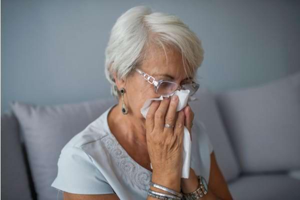 Raceala si gripa la hipertensivi: ce medicamente nu sunt indicate daca ai hipertensiune