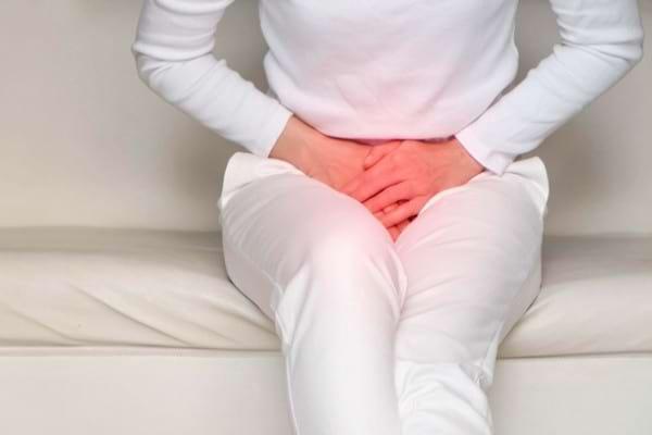 Incontinenta urinara: cauze, simptome si tratament | Ce probleme apar la menopauza