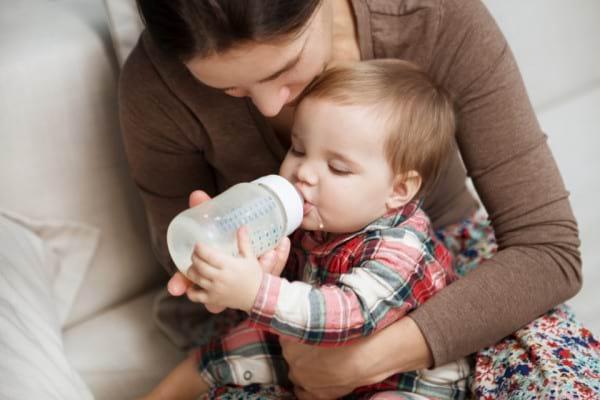 De ce sa nu ii dai lapte de vaca bebelusului