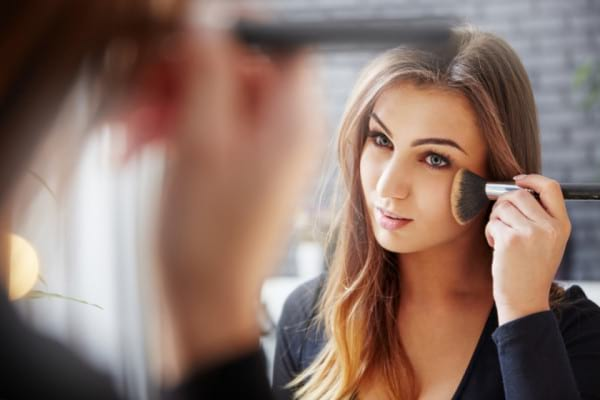 Trucuri de make-up utile in sezonul alergiilor