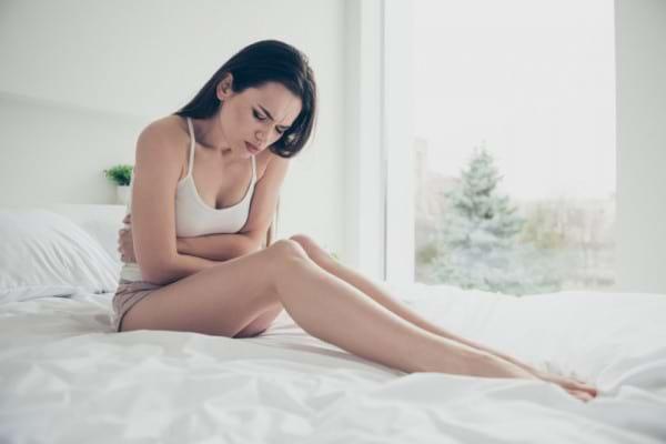 Femeile cu menstruatie precoce au risc crescut de probleme cardiovasculare si de AVC
