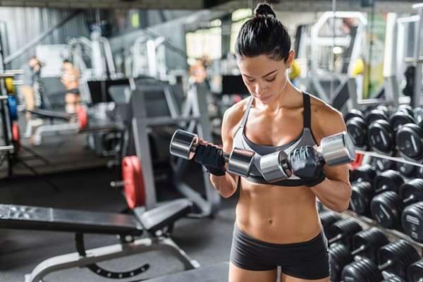 Mituri in sport: antrenamentele cu greutati nu sunt pentru femei