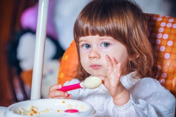 Ghid de diversificare pentru alimentatia copiilor