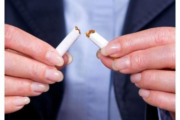 Fumatul, un viciu la care multi romani nu pot renunta