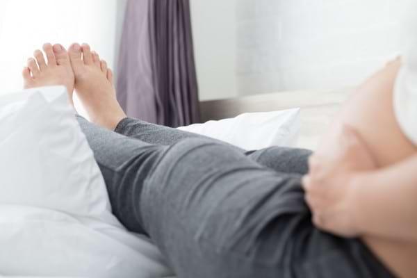 Picioare umflate in sarcina: cauze, factori de risc, remedii si solutii