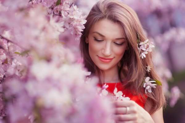 Ce probleme ale pielii se pot declanșa primăvara? Află ce soluții există