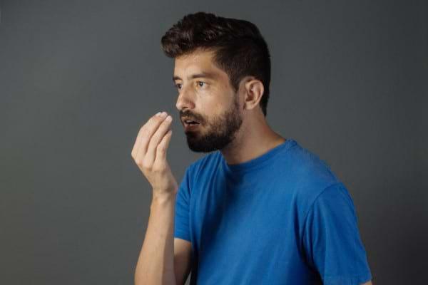 Tratament naturist pentru respirația urât mirositoare