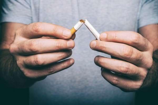 Beneficiile renuntarii la fumat & metode eficiente