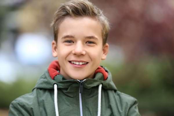Schimbarile prin care trec copiii la debutul adolescentei: cand incep transformarile?