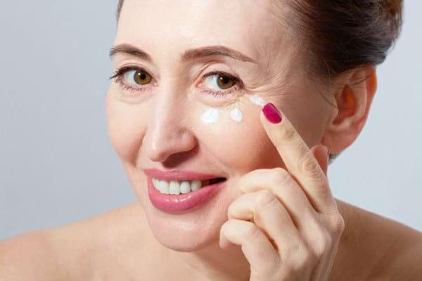 Prin ce schimbari trece pielea ta la menopauza
