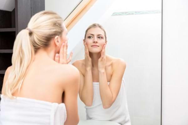 8 simptome ale cancerului de piele pe care le ignori